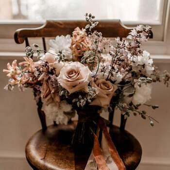 Os boquets de noiva com rosas nunca saem de moda | Créditos: Bloaum