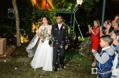 Casamento no jardim de Karla e Marcus: intimista, romântico e com a linda vista da cidade maravilhosa!