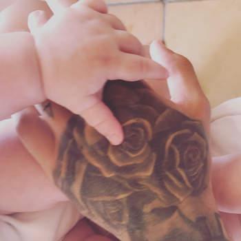 Liam Payne, dos One Direction, e a cantora Cheryl Cole foram pais do pequeno Bear em março. Foto via Instagram Liam Payne