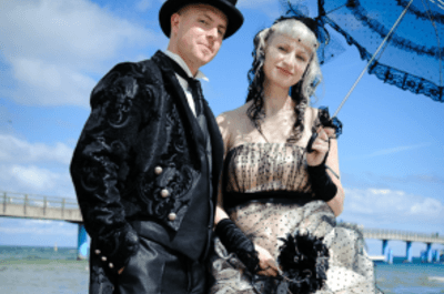 Außergewöhnliche Brautkleider - Heiraten im Moulin Rouge-Style