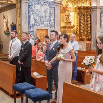 "Senhora da Guia | Foto: <a href=""https://www.zankyou.pt/f/portugal-wedding-photographer-422417"" target=""_blank""> Portugal Wedding Photographer </a>"