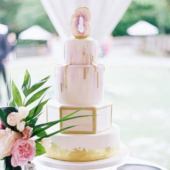 Inspiração para bolos de casamento de andares | Créditos: Allison Kuhn Photograph