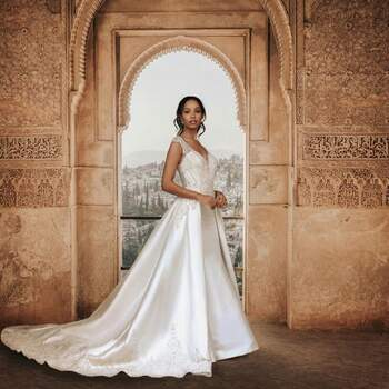 Jasmine by Allure Bridals Style: DP254 (apenas disponível nas lojas Kleinfeld) | Créditos: Disney