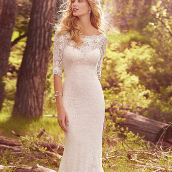 "Traumhaftes fit-and-flare Brautkleid aus traumhafter Spitze. <a href=""https://www.maggiesottero.com/maggie-sottero/mckenzie/10123?utm_source=mywedding.com&amp;utm_campaign=spring17&amp;utm_medium=gallery"" target=""_blank"">Maggie Sottero</a>"