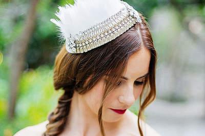 Vintage Haarspange mit Federn und Ziersteinen, Foto: Closer to love Photographer