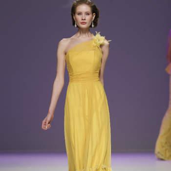 Here comes the sun! Amarelo para as convidadas de casamentos 2013 - antecipa-se uma temporada muito solarenga...