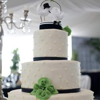 Hochzeitstorte mit Cake- Toppers