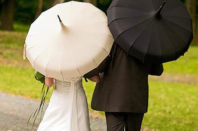Es regnet auf Ihrer Hochzeit? - So fällt Ihre Hochzeit garantiert nicht ins Wasser!