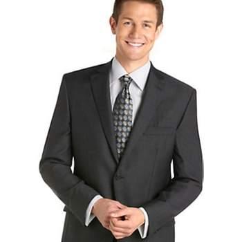 Los trajes de novio no son iguales, depende mucho el estilo de la boda y el lugar de la celebración para que ellos elijan el mejor estilo para su boda. Conoce diferentes opciones de las mejores marcas internacionales con los precios estimados. Pronto Uomo, $799.99USD