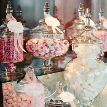 Candy corner con jarrones de cristal. Credits Aliexpress