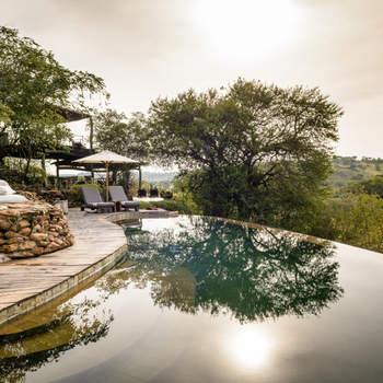 Após o secreto e super romântico casamento italiano, Jessica e Justin embarcaram numa aventura para a Tanzania, África, onde viveram uma louca lua-de-mel. Foto: Singita Faru Faru Lodge