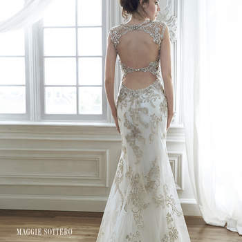 "<a href=""http://www.maggiesottero.com/dress.aspx?style=5MD056&page=0&pageSize=36&keywordText=&keywordType=All"" target=""_blank"">Maggie Sottero</a>"