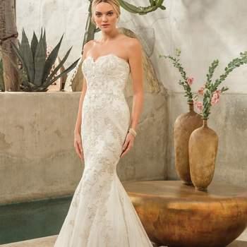 Style 2298 Dakota. Credits: Casablanca Bridal.