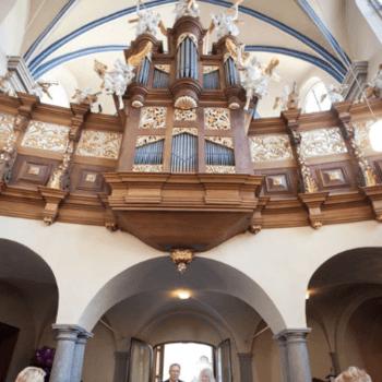 Angela Krebs und Ole Radach halten jeden Moment fest - auch das Einlaufen der Braut in die Kirche.