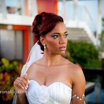 Penteado de noiva com cabelo preso | Credits: Sergio Ronaldo