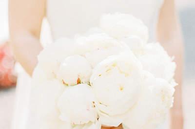 Los ramos de novia con peonias más bonitos para tu look de boda