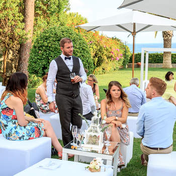 "<a href=""https://www.zankyou.pt/f/senhoura-da-guia-13011"" target=""_blank""> Casamento em Hotel Senhora da Guia </a> | Foto: Portugal Wedding Photographer"