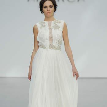 Robes de mariée à col rond : pour une mariée élégante et romantique!