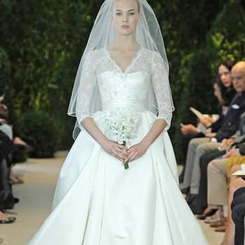 Este vestido nos recuerda al que lució la duquesa de Cambridge en su boda. Se trata del modelo Annemarie. Foto: Carolina Herrera
