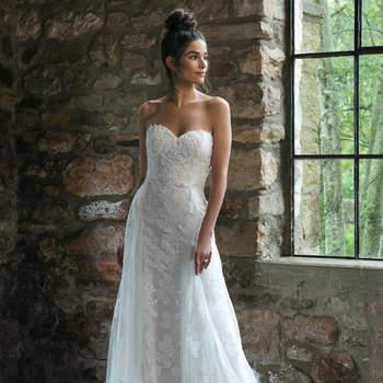 Modelo 44064, vestido de novia con escote corazón