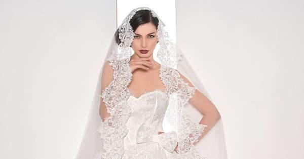 d3abd4384bda I 30 abiti da sposa più belli visti durante Roma Sposa 2015