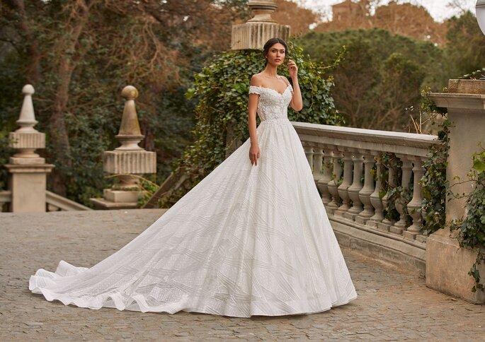 Pronovias Premiere 2021 Vestido de novia princesa con manguitos en tul bordado