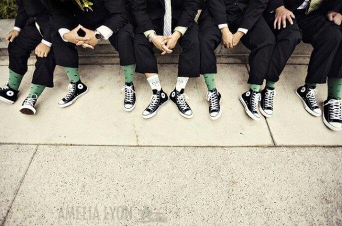 Tu novio y los padrinos de Converse, la mejor idea de estilo - Foto Amelia Lyon