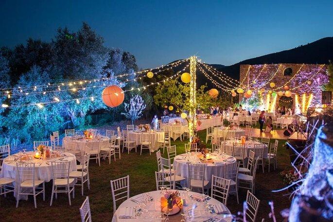 Décoration tables de mariage en plein air