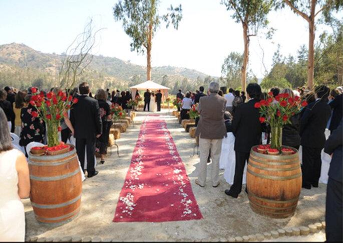 La ceremonia se puede hacer al aire libre con un toque campestre.
