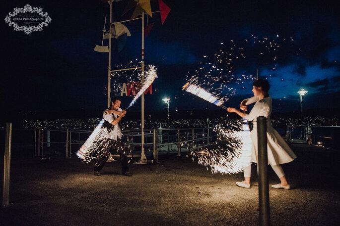 Atemberaubendes Feuer-Spektakel bei der Hochzeit