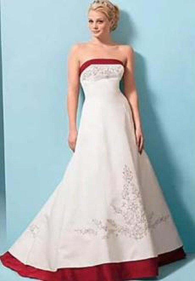 Bonmarier 2010 - Vestido largo de corte princesa, escote recto palabra de honor, bordados en busto y falda