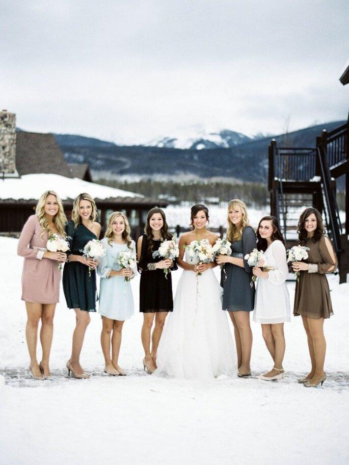 Para el frío o el calor, los vestidos desiguales deberán marcar tendencia en tu boda - Foto Kelli Lyn Photography