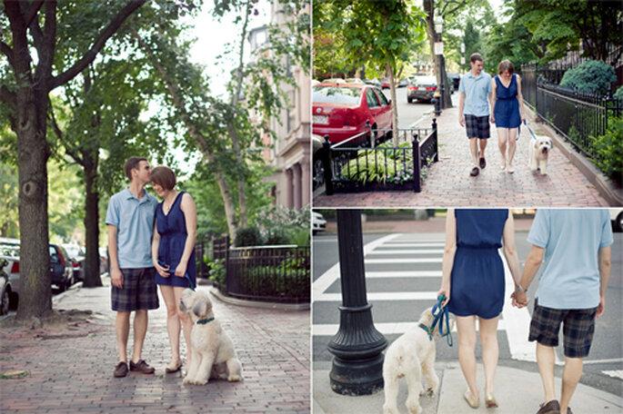 Pareja enamorada paseando a su perro - Foto: Alexandra Roberts