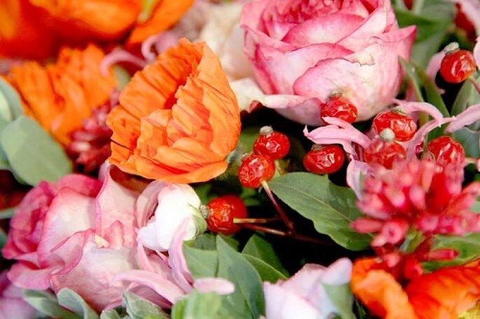 Airelles, pivoines, roses, feuilles... voilà de quoi s'inspire l'artiste - Photo : Thierry Boutemy.