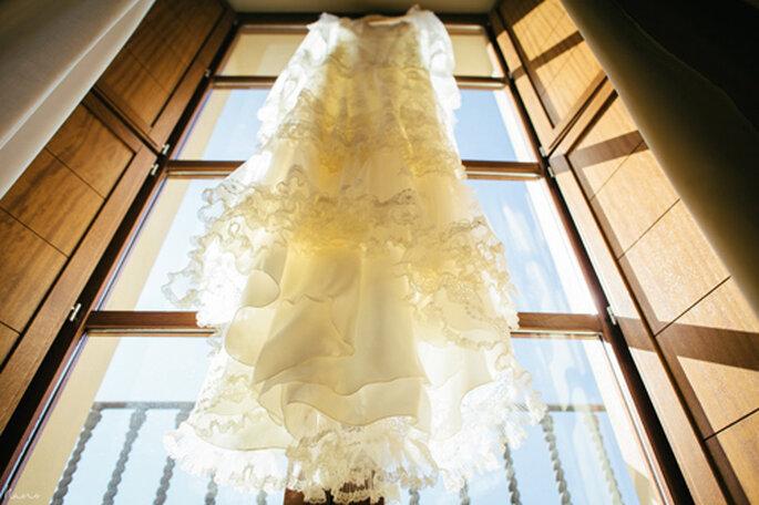 La elección del vestido de novia es un momento mágico que no olvidarás. Foto: Nano Gallego