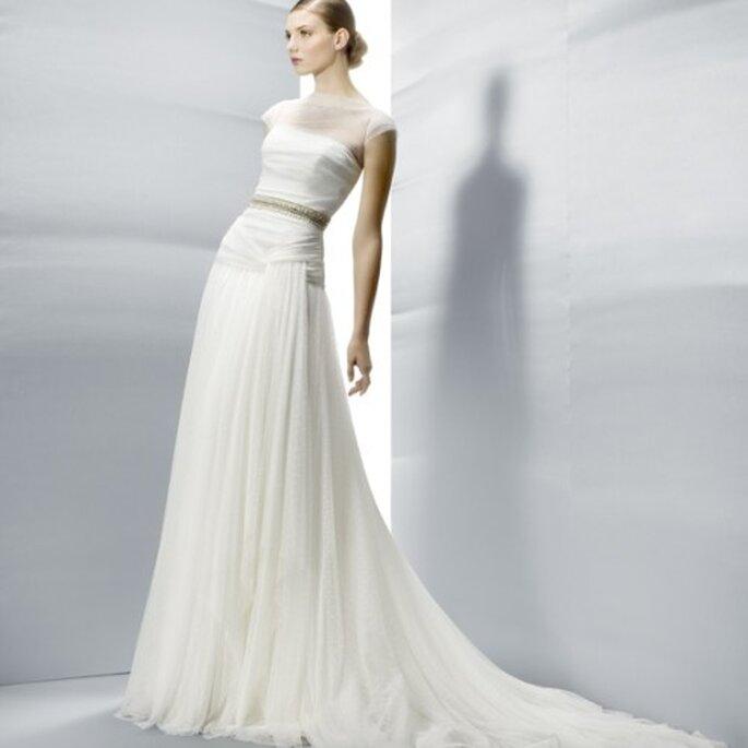 5aedb70d8 Clase y elegancia  vestidos de novia 2013 de Jesús Peiró