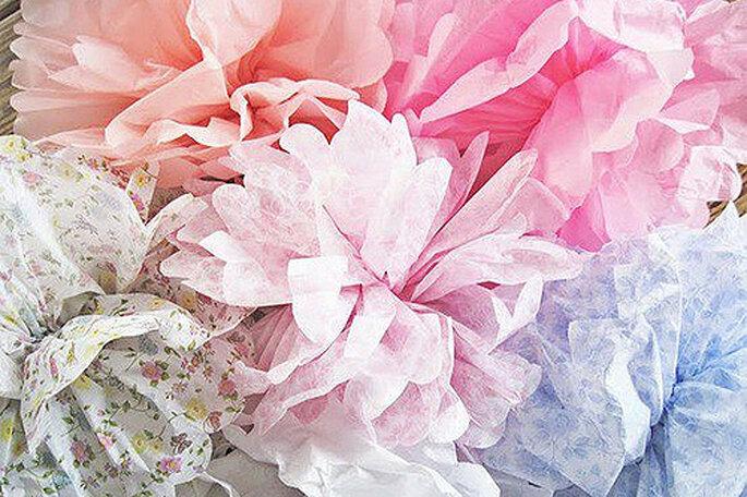 Decora il tuo matrimonio con originali fiori di carta! Foto:Maison Pom Poms