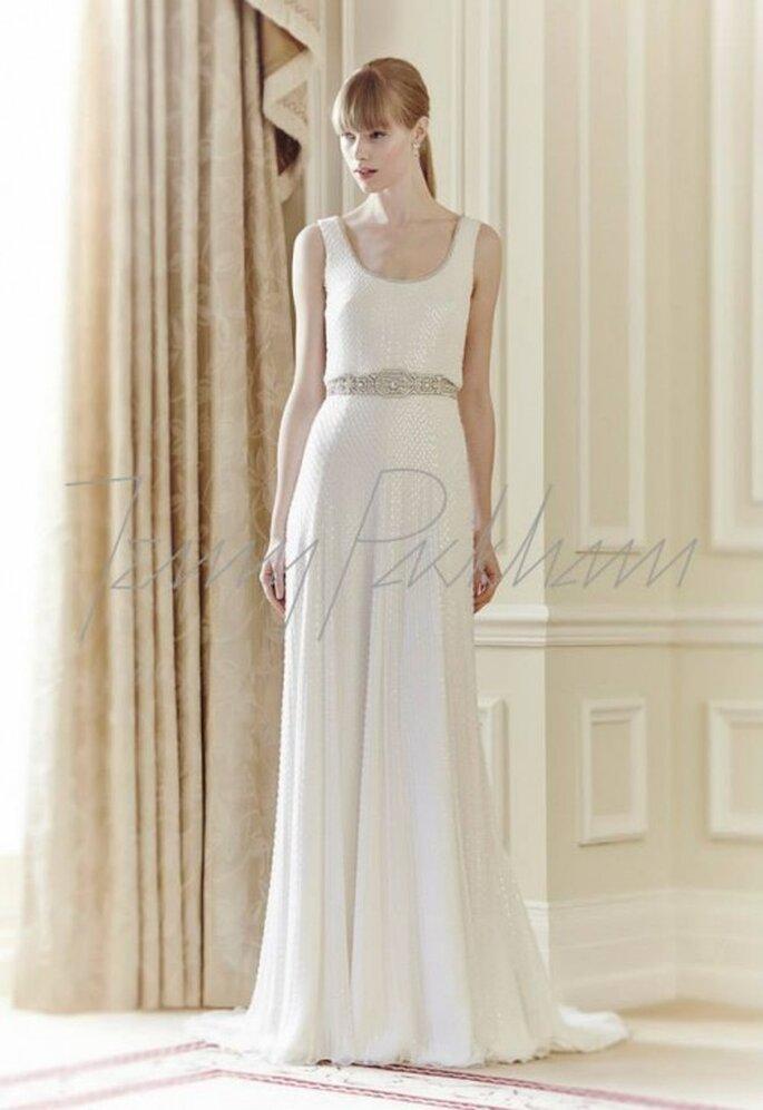 Vestido de novia en color blanco sin mangas con cinturón de pedrería - Foto Jenny Packham