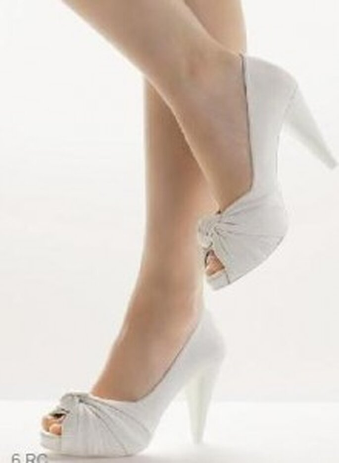 Chaussure de mariée plissée à l'avant - Rosa Clará 2011