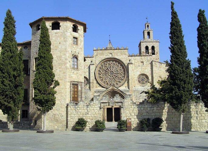 Las 12 iglesias m s bonitas de barcelona para casarse - Alfombras sant cugat ...