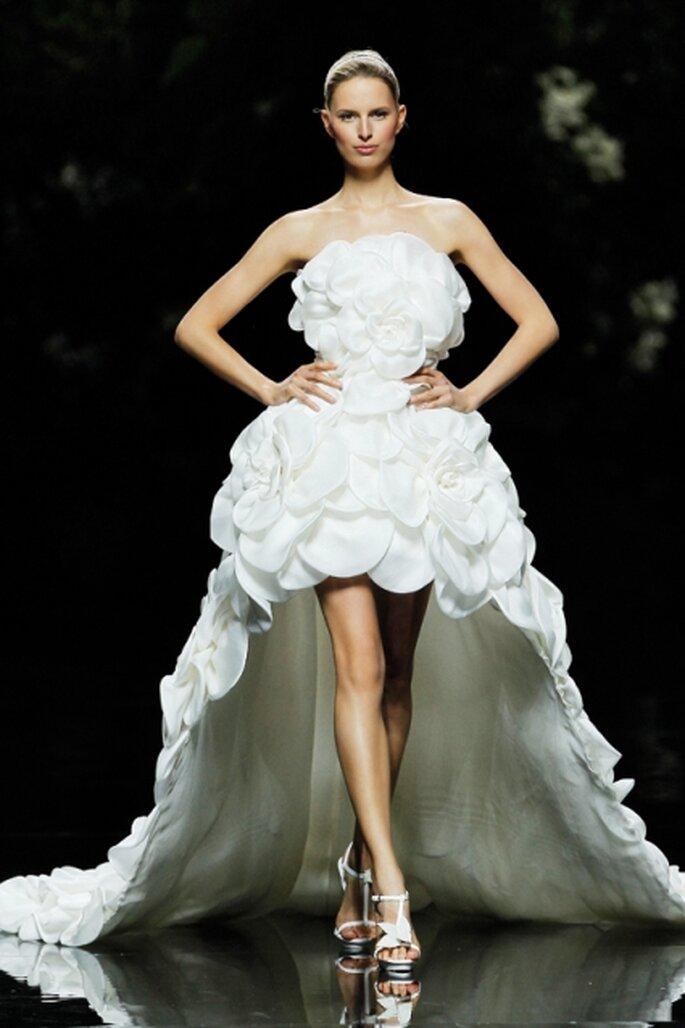 Abito da sposa Manuel Mota per Pronovias 2013