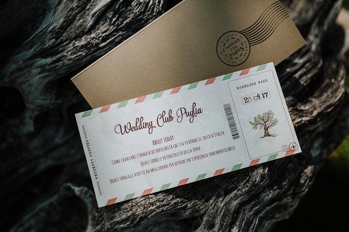 Un originalissimo boarding pass ha accolto i nostri ospiti - Foto: Marco Schifa Wedding Photography