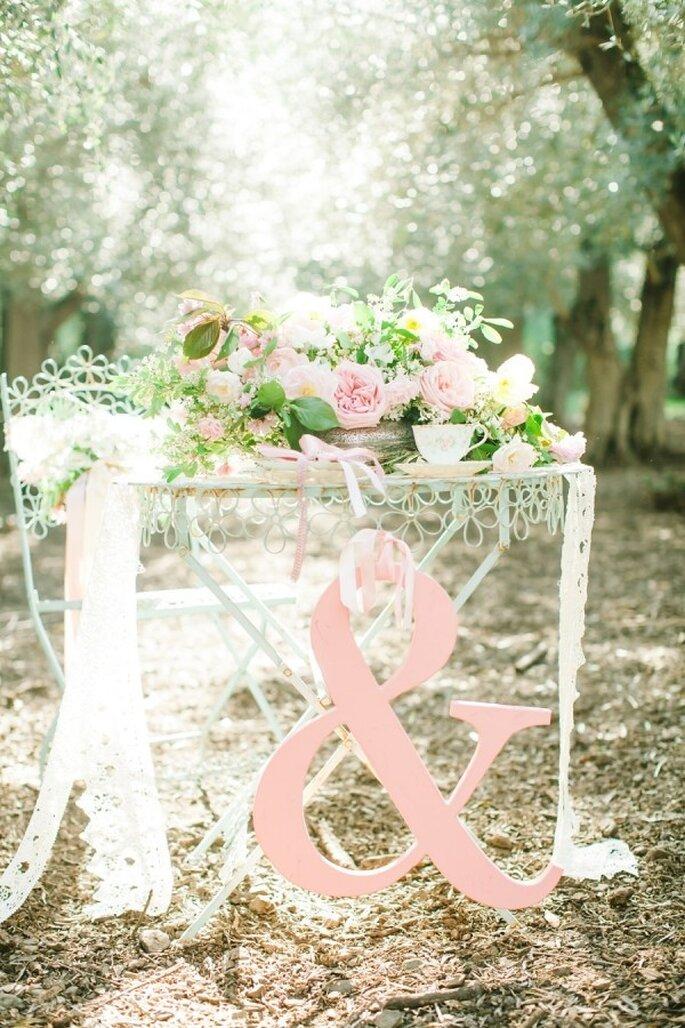 Hochzeitsdekoration in pastellfarbenem rosa - Foto Avec L'Amour Photography