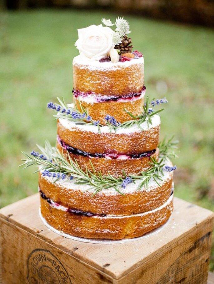 naked cake wedding planner label' emotion london