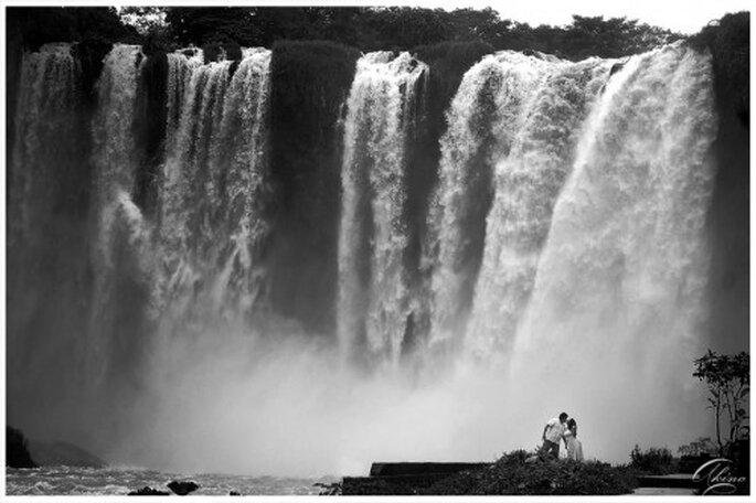 Fotografia de preboda en las cascadas de Salto de Eyipantla, Veracruz - Foto Emmanuel Aquino