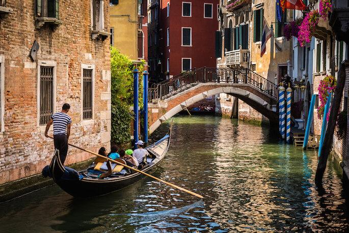 10 de las ciudades más románticas en Italia para tu luna de miel (Venecia) - Shutterstock