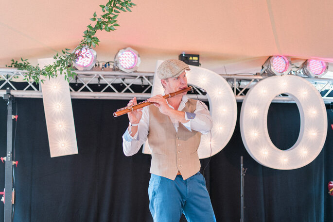 Fluitist Paul Smithuis op Trouwfestival. Foto: Anneke Veronica Photography