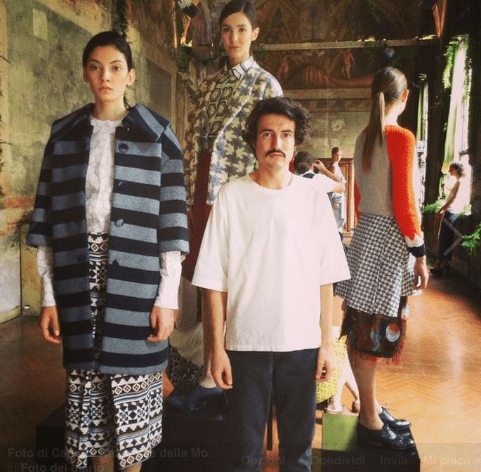 Cappotti ad effetto tappezzeria anche per Marco Rambaldi, vincitore del concorso di CNMI Next Generation. Foto via Facebook: Camera della Moda