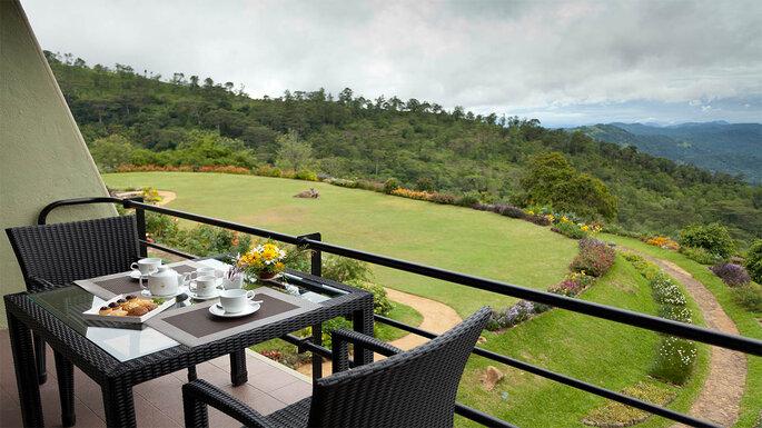 Медовый месяц на Шри-Ланке Hunas Falls by Amaya