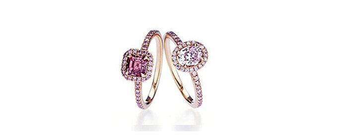 Solitarios rodeados de diamantes de color rosa, de De Beers